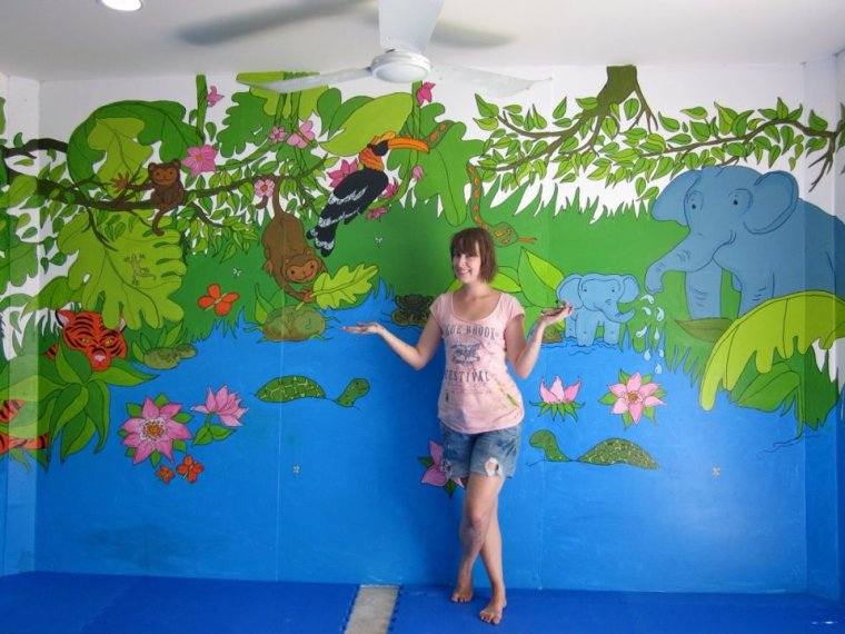 My Songsaa Island jungle mural & me!