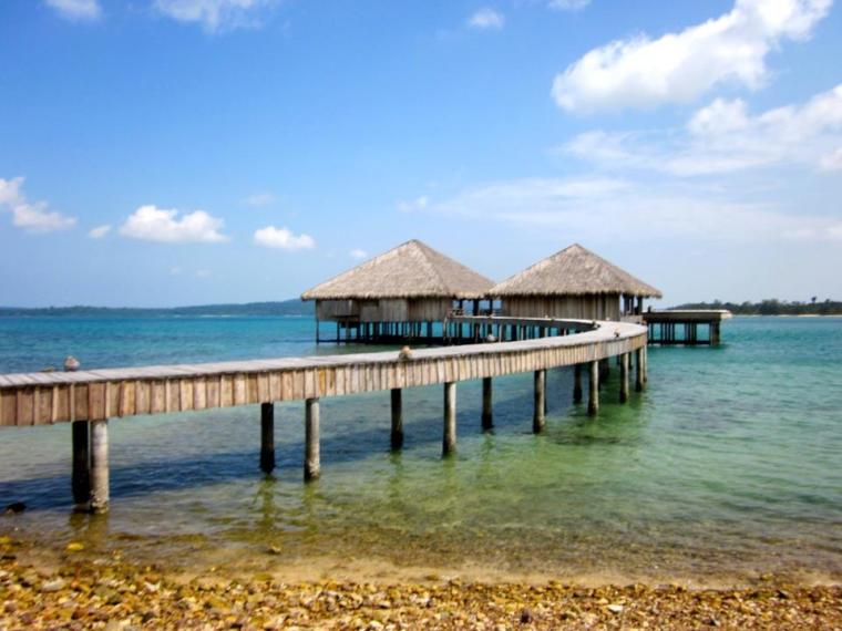 SongSaa Island jetty
